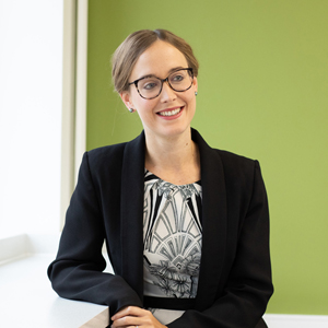 Laura Steel - Commercial Lawyer
